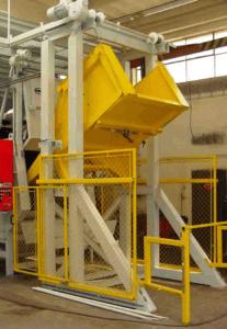 Muldenband straalmachine met automatische laadbak